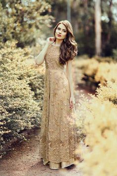 Find the latest bridal walima dress designs ever you seen before. We have gathered best designer walima dresses from off the ramp and other fashion shows at one place. Pakistani Wedding Outfits, Pakistani Dresses, Indian Dresses, Indian Outfits, Pakistani Clothing, Wedding Hijab, Fall Wedding, Pakistani Couture, Pakistani Bridal