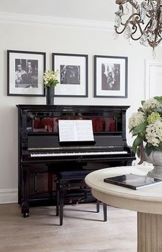 Among so many musical instruments, the piano is one of the favorites. From little kids until grandma love to playing the piano. Give your home a warm v… Piano Living Rooms, Living Room Decor, Upright Piano Decor, Piano Room Decor, Black Piano, Family Room, Decoration, Interior Design, House Styles