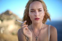 Film stills from Dakota Johnson's film A Bigger Splash. Smoking Ladies, Girl Smoking, Dakota Johnson Smoking, Splash Movie, Anastacia Steele, Girls Smoking Cigarettes, Kelly Hu, Dakota Mayi Johnson, Don Johnson