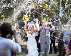 25 Wedding Sendoff Ideas for Making an Unforgettable Exit