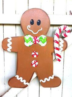Gingerbread Man Girl Wooden Door Hanger Christmas by Earthlizard Gingerbread Man Decorations, Gingerbread Crafts, Christmas Gingerbread House, Gingerbread Men, Gingerbread Village, Christmas Cookies, Christmas Ornaments, Christmas Classroom Door, Christmas Door