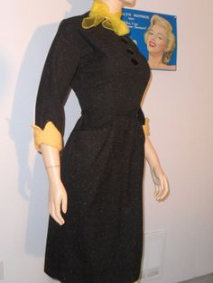 Vintage late 40s 50s Hour Glass Shape Wool Day by ToDressVintage