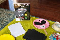 Go Go Power Rangers! How to Throw a Mighty Morphin' Power Rangers-Themed Birthday Party Power Rangers Games, Power Rangers Mask, Power Ranger Party, Power Ranger Birthday, Go Go Power Rangers, Bear Birthday, Birthday Party Games, 6th Birthday Parties, Third Birthday