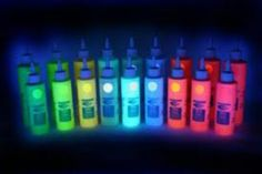 glow in the dark paint - this could be fun 21st Party, 13th Birthday Parties, Neon Party, Birthday Ideas, Girl Birthday, Glow In Dark Paint, Glow Paint, Neon Painting, Body Painting