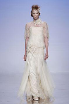 Kolekcia svadobných šiat s názvom Esencia