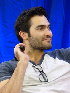 fedel:  Tyler Hoechlin @ Team Wolf Con 2 in Paris