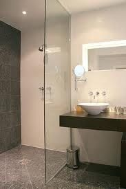 To eliminate the tub dominance, small bathroom designs with shower offer just the perfect way. With the best shower design, the bathroom will appear as the star Open Showers, Small Showers, Bathroom Renos, Master Bathroom, Bathroom Ideas, Loft Bathroom, Small Shower Room, Large Shower, Modern Baths