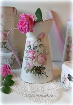 #decoupage Decoupage, Coffee Flower, Lavender Cottage, Shabby Chic Crafts, Milk Cans, Tole Painting, Shabby Vintage, Metallic Paint, Pin Up Girls