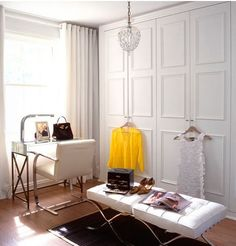 love those mouldings on the closet doors!
