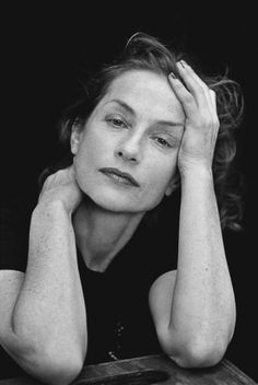 French actress & icon #IsabelleHuppert Photo by Peter Lindbergh *** Adoro Isabelle! E questa foto è molto espressiva <3