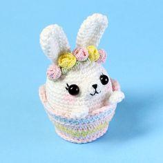 Mesmerizing Crochet an Amigurumi Rabbit Ideas. Lovely Crochet an Amigurumi Rabbit Ideas. Kawaii Crochet, Crochet Food, Easter Crochet, Crochet Bunny, Cute Crochet, Crochet Patterns Amigurumi, Amigurumi Doll, Crochet Keychain, Crochet Projects