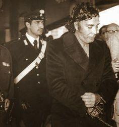StupeFatti: La signora Buscetta e la grande vergogna. http://stupefatti.blogspot.it/2014/03/buscetta-signora-buscetta-mafia-mai-processo-maiprocesso-ninofricano-nino-fricano-letteratura-racconti-cosanostra-cosa-nostra.html