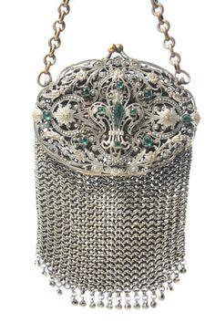 Vintage Handbags - Trendy Women's Purses : (JPEG Imagen, 290 × 449 píxeles) Vintage Purses, Vintage Bags, Vintage Handbags, Vintage Shoes, Vintage Accessories, Vintage Outfits, Fashion Accessories, Beaded Purses, Beaded Bags