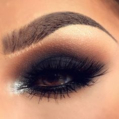 """Look on the sun ☀ -Eye shadows BLACK OUT (mobile eyelid and below lower lashes) , CARAMEL( transition color on top) , CREME FRESH ( brow bone) and BOUDOIR…"""