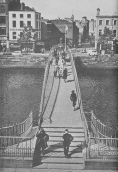Ha'penny Bridge over the River Liffey Dublin city, looking North towards Lower Liffey Street - Ireland Pictures, Images Of Ireland, Old Pictures, Old Photos, Ireland Homes, Dublin City, Over The River, Take Better Photos, Great Photographers