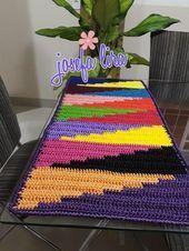 We're knitting profitable story loop by loop. Merinos started its production activities in 1970 Crochet Rug Patterns, Crochet Motifs, Crochet Designs, Crochet Doilies, Crochet Stitches, Afghan Crochet, Crochet Carpet, Crochet Home, Crochet Table Runner