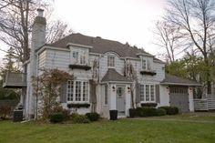 Cette année, c'est une maison de Beaconsfield, à l'architecture d'inspiration anglaise, qui remporte le titre de Maison coup de coeur de l'Opération patrimoine architectural de Montréal. Visite.