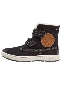 ¡Consigue este tipo de botas básicas de Lurchi ahora! Haz clic para ver los detalles. Envíos gratis a toda España. Lurchi DIEGO TEX Botas para la nieve atlantic: Lurchi DIEGO TEX Botas para la nieve atlantic Zapatos     Material exterior: piel, Material interior: tela, Suela: fibra sintética, Plantilla: tela   Zapatos ¡Haz tu pedido   y disfruta de gastos de enví-o gratuitos! (botas básicas, basic, basico, basica, básico, basicos, casual, clasica, clasicas, clásicas, clásica, bási...