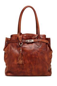 Old Trend Lily Shoulder Bag