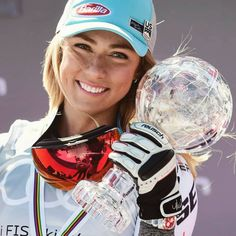 """Mikaela Shiffrin Fanclub on Instagram: """"16th victory of the season for @mikaelashiffrin in today's Slalom at the Worlcup finals in Soldeu! 💪👏🤪 She also grabs the slalom globe.…"""" Mikaela Shiffrin, Riders On The Storm, Lindsey Vonn, Ski Racing, Alpine Skiing, Alain Delon, Marylin Monroe, Two Year Olds, Athletic Women"""