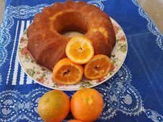 Κέικ με ολόκληρο πορτοκάλι Θεικό !! Υλικά Loading... 1 ποτήρι του νερού λάδι καλαμποκέλαιο 1 ποτήρι του νερού ζάχαρη 4 ολόκληρα μανταρινια πλυμένα καλά και περασμένο στο μούλτι πολτοποιημένο 2 αυγά 1 και 1/2 ποτήρι του νερού αλεύρι Αλατίνη η για όλες τις χρήσεις ΄ 2 κουταλάκια του γλυκού κοφτά μπέκιν πάουντερ 2 βανίλιες ζάχαρη … Bagel, Food And Drink, Sweets, Bread, Good Stocking Stuffers, Candy, Goodies, Treats, Sweet Treats