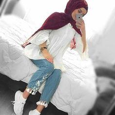 Hijabi fashion photos and videos Hijab Fashion Summer, Modern Hijab Fashion, Street Hijab Fashion, Hijab Fashion Inspiration, Muslim Fashion, Mode Inspiration, Modest Fashion, Casual Hijab Outfit, Casual Outfits