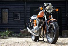 Orange Jota. Lifelong dream. Bobbers, Cafe Racers, Moto Guzzi, Classic Italian, Super Bikes, Custom Motorcycles, A 17, Looks Cool, Cool Bikes