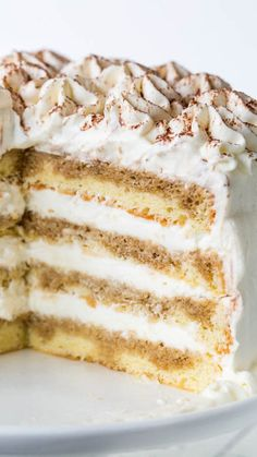 Tiramisu Cake Roll is your favorite Italian dessert turned into a delicious cake roll recipe. It's an easy sponge cake filled with Tiramisu filling and coated with whipped cream! Köstliche Desserts, Delicious Desserts, Plated Desserts, Brulee Recipe, Cake Recipes, Dessert Recipes, Gourmet Cakes, Gourmet Foods, Cheesecake