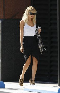 Nicole Richie...simple, til you get to the shoes!
