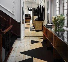Cool floor #cool #flooring #inspiration #twotone #color #launstein #hardwoods