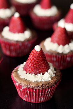 How to make Santa hats from strawberries! | Food Design Inspiration