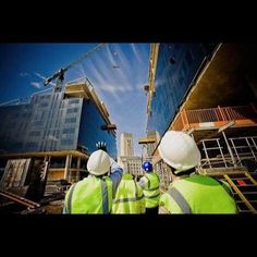 Vem aí o Canteiro do Futuro! Projeto para a Feicon Batimat 2017. Um espaço de mais de 800m2 dentro da feira para mostrar a realidade de um canteiro de obras. Totalmente sustentável. Realização: @novagestao Projeto: @sustentech_ds Parceria: @reedexpobr #canteiro #canteiros #canteirodeobras #obra #construcao #construcaocivil #construcaosustentavel #sustentabilidade #sustentavel #construction #engenharia #engenhariacivil #engenheiro #arquitetura #greenbuilding #gbc #leeds #leed #certificacao…