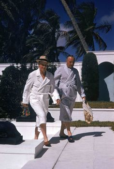 's House (© Slim Aarons) Guests on their way to the pool at the home of C. Guest, Villa Artemis in Palm Beach, Florida, Slim Aarons, Diana Vreeland, Bill Blass, Mad Men, Palm Springs, Great Dane, Nautical Tees, Best Friends Brother, Persona