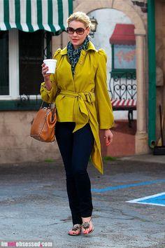 Katherine Heigl Blue Leopard Scarf  + Jeans #CelebritiesStreetStyle