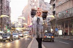 Милица Дабович стала лицом сербского бренда Irena G  Знаменитая баскетболистка Милица Дабович стала новым лицом бренда Irena G. Недавно Милица позировала в роскошных шубах из новой коллекции Ирены Граховац.  В роли фотомодели перед объективом Андрея Дамняновича она чувствовала себя также хорошо как и на баскетбольной площадке.  http://ift.tt/2k9ZOkd  #AndrejaDamnjanovic #IrenaG #IrenaGrahovac #MilicaDabovic #Баскетбол #Белград #Дизайнер #Звезда #Кожа #ЛицоБренда #Мех #Мода #Модельер #Печворк…