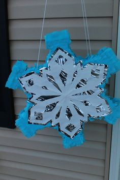 easy to make yourself Birthday Party Games, Frozen Birthday Party, Girl Birthday, Frozen Party Favors, Disney Frozen Party, Frozen Pinata, How To Make Pinata, Frozen Decorations, Frozen Snowflake