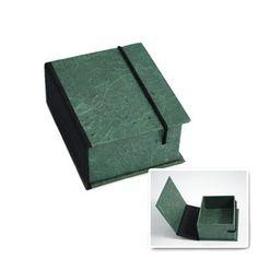 caixa em papelão rigido.