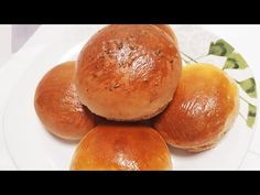 😍PAN DE LECHE CASERO,BOLLOS DE LECHE😋 - YouTube Sweet Bread, Hamburger, Breads, Appetizers, Snacks, Youtube, Food, Beer Batter, Spoons