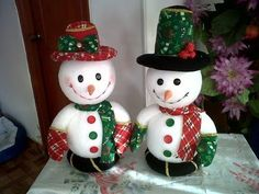 Unlike your work projects, Christmas projects will be so much fun because you will get to explore your imagination. Christmas Crafts For Kids, Christmas Projects, Holiday Crafts, Christmas Decorations, Holiday Decor, Snowman Christmas Tree Topper, Christmas Baubles, Christmas Holidays, Snowman Crafts