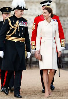Kate Middleton stepped out on Thursday for a surprise appearance at the annual royal military concert called the Beating Retreat, and wore a gorgeous cream-colored Catherine Walker coat dress for the occasion. Lovers Knot Tiara, Horse Guards Parade, Catherine Walker, Princess Anne, British Royals, Kate Middleton, Nice Dresses, Beating Retreat, Celebrity Style