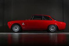 Alfaholics GTA-R 290 Alfa Romeo - Left Side