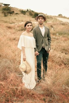 A Vintage-Inspired Outdoor Engagement Shoot in South Cotabato Wedding Blog, Wedding Ideas, Bride And Breakfast, Love Photography, Engagement Shoots, Philippines, Vintage Inspired, Romantic, Couple Photos