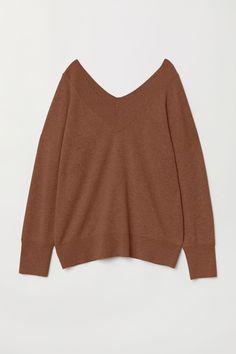 V-ringet kasjmirgenser - Brun - DAME Beige Sweater, Ribbed Sweater, Uniqlo Outfit, Autumn Fashion Grunge, Pull Beige, Slim Fit Pants, Work Looks, Light Denim, Pulls