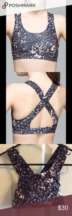Lululemon Star Crushed All Sport Bra No pads, in excellent condition lululemon athletica Intimates & Sleepwear Bras