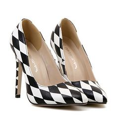 Black and white harlequin pumps #heels #shoes