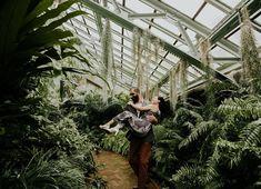 Garfield Park Conservatory Engagement Session (@earthbelowphoto) #conservatoryengagement #conservatoryelopement #greenhouseengagement #explorechicago #chicagoengagement #chicagoengagementsession