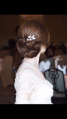 เกล้าผมเจ้าสาว line : mud2982405 tel. 0972982405 Makeup by @bank_tanin #weddingdress by #hairstyle #hairstyles #hairstylist #hairup #hair #hairdresser #hairdo #bridalhair #bride #bridemakeup #bridalgowns #brideandgroom #bridesmaids #weddings #weddinghair #weddingceremony #glamour #gorgeous #ช่างทำผมเจ้าสาว #ช่างทำผม #รับเกล้าผม #รับเกล้าผมเจ้าสาว #แบบทรงผมเจ้าสาว #ทรงผมเจ้าสาว #สวยแพงราคาไม่แรงจ้างได้นะคะ #mudhairstylist #pinkyhairstylist #mud_hairpiece