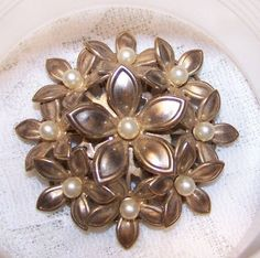 Vintage Gold Tone Faux Pearl Brooch Flower Cluster