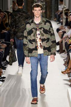 Valentino-Spring-Summer-2016-Menswear-Collection-Paris-Fashion-Week-061
