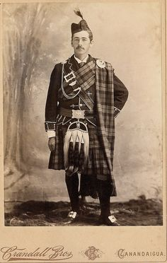 +~+~ Antique Photograph ~+~+  Man dressed in full highlander tartan.